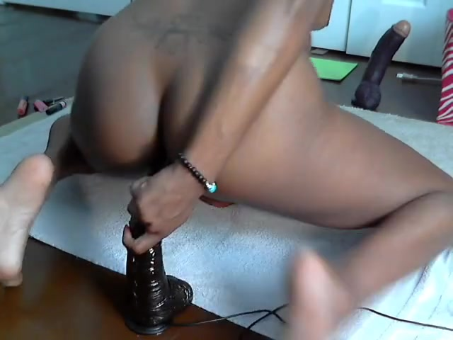 Ebony Huge Dildo Webcam