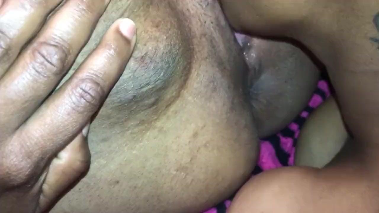 Ebony Meaty Pussy Squirt