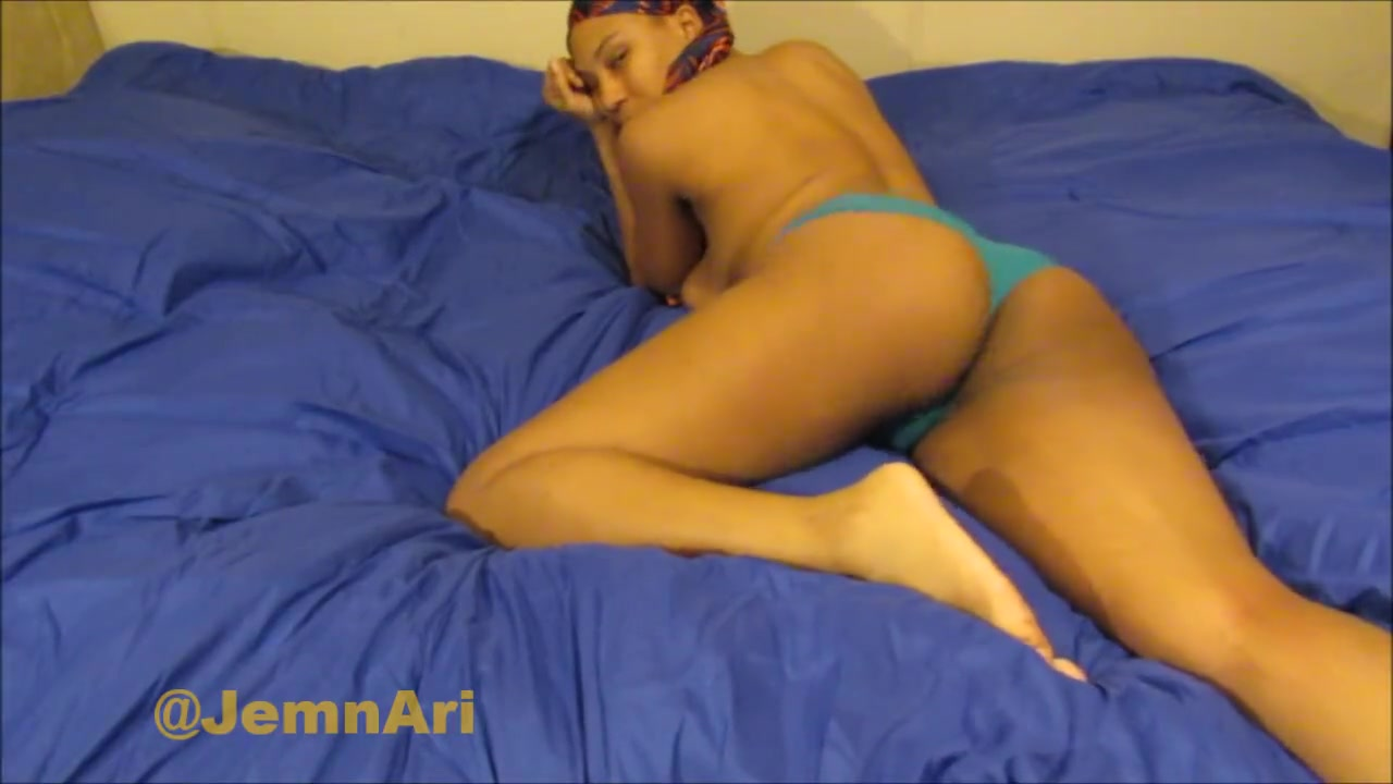 Ebony Girls Cumming Hard Solo