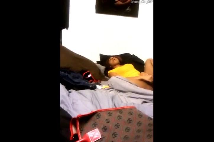 Ebony Shaving Her Pussy