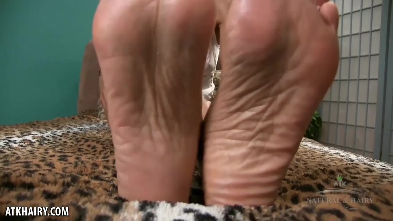 Ebony Rubbing Wet Pussy